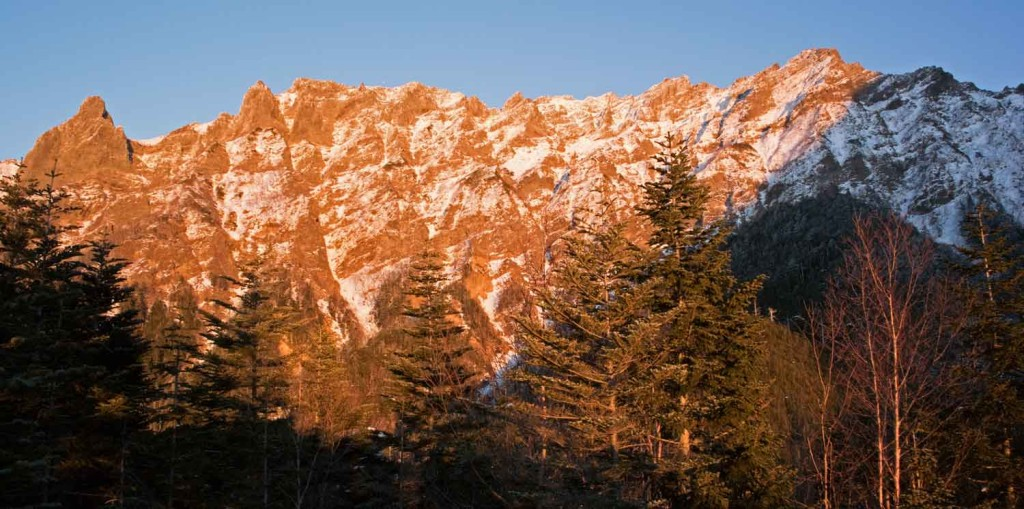 DSC_0382夕陽に染まる横岳